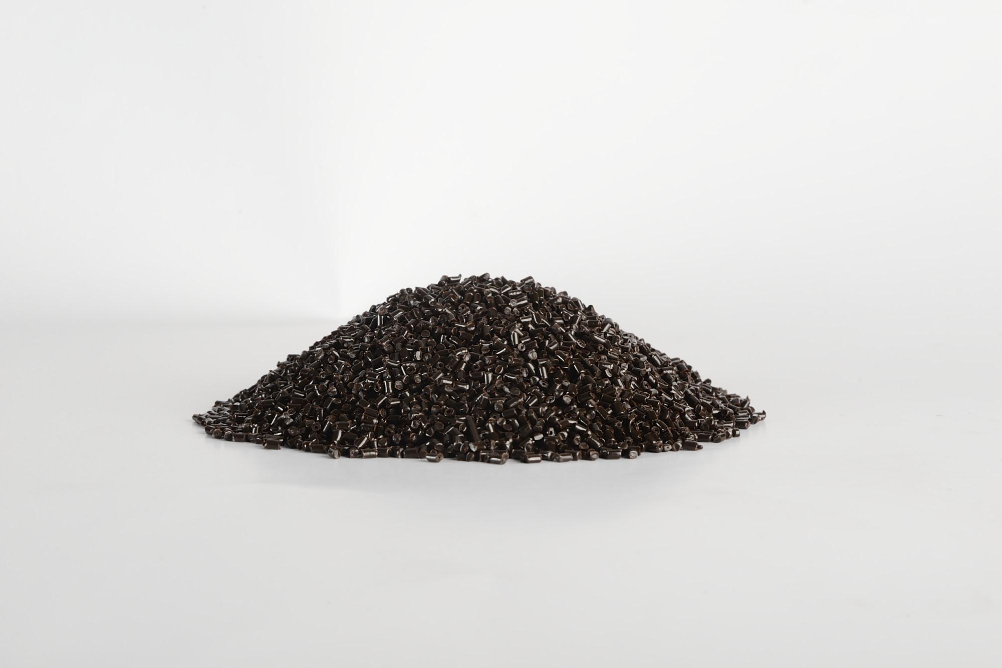高浓度黑白母粒